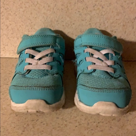 Nike Other - Baby Nike Sneakers Size 6